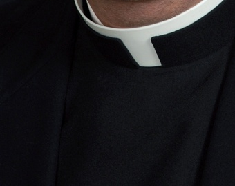 priest_collar_CNA_World_Catholic_News_7_24_12