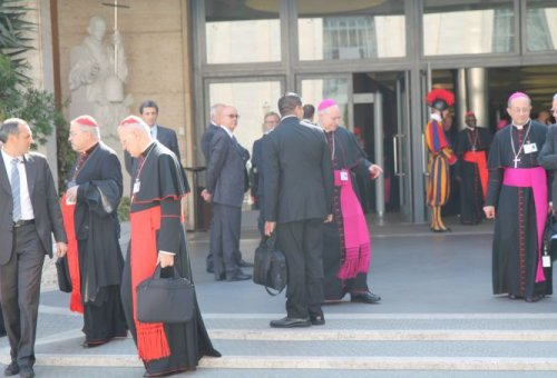 Synod_-_Bishops_Coming_Out_Waiting_1