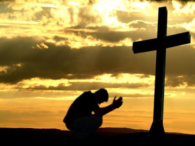 el-hombre-ante-la-cruz