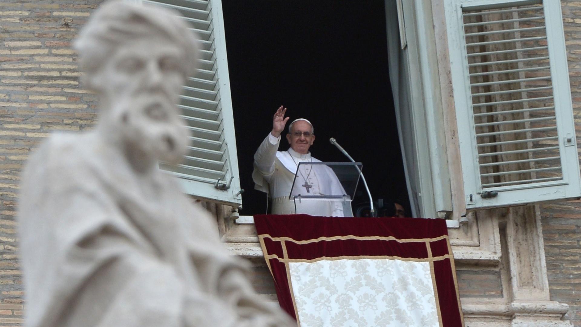 o-papa-francisco-celebra-o-primeiro-angelus-do-seu-pontificado-na-pracao-sao-pedro-1363518720318_1920x1080