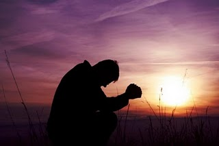 homem_rezando