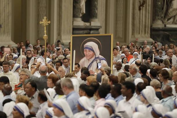 APTOPIX Vatican Mother Teresa Vigil