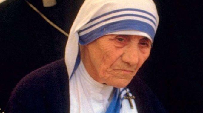 Circula Boato Atribuído à Madre Teresa De Calcutá Cléofas